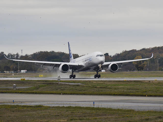 air-journal_Airbus-A350-1000_First_Flight_Landing